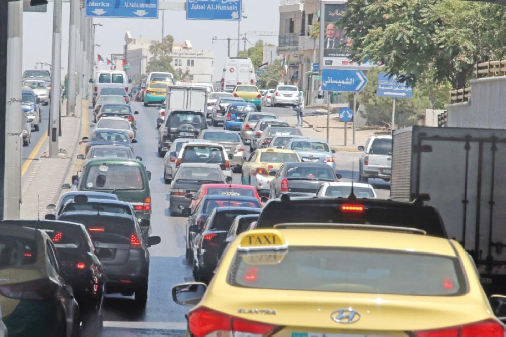 تراجع أسعار سيارات التاكسي الأصفر 30% العام الحالي