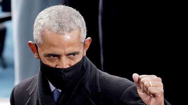 أوباما: كسرت أنف زميلي في المدرسة لهذا السبب!