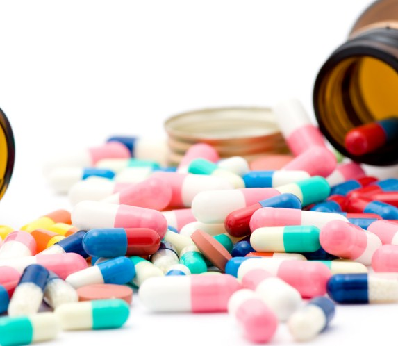 الائتلاف الصحي لحماية المريض يطالب بإلغاء الضريبة على مبيعات الأدوية