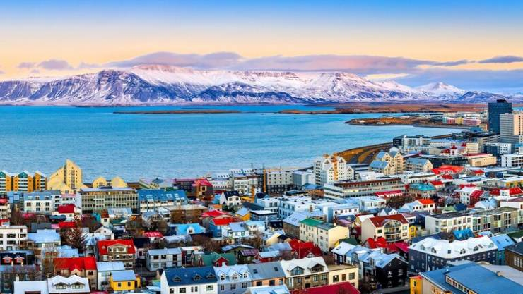 آخرها هزة استمرت لعدة ساعات .. 17 ألف هزة أرضية في أسبوع واحد في أيسلندا!