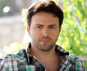 """بالصور.. النجم السوري تيم حسن أول ممثل سوري """" يوثق"""" حسابه على تويتر"""