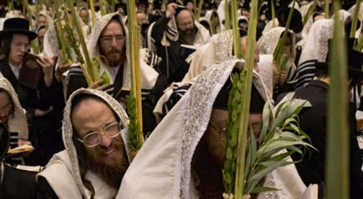 غزة تورد سعف النخيل للاحتلال بمناسبة عيد العرش اليهودي