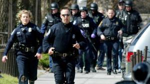 أميركي يقتل رجلين حاولا منعه من مضايقة فتاتين مسلمتين في قطار