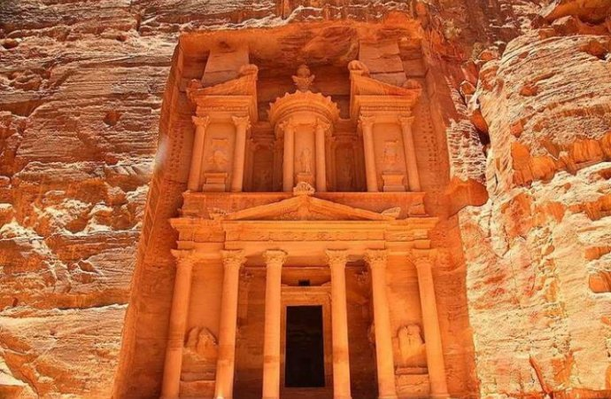 تنشيط السياحة: ارتفاع نسبة السياح التونسيين للاردن 23%