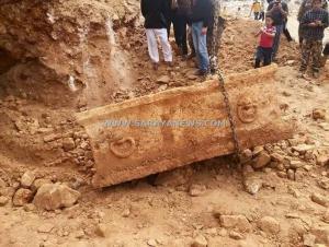 بالصور. .عجلون : العثور على تابوت  أثري يعود للعصر الروماني في عين جنا