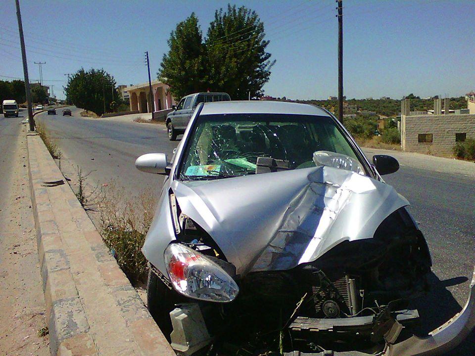 بالصور  ..  اربد: استمرار الحوادث على مدخل لواء بني كنانة