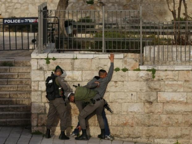 مداهمات واعتقالات في البلدة القديمة بالقدس