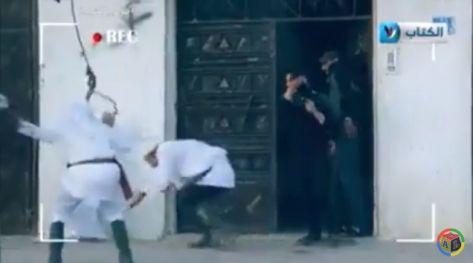 بالفيديو ..  إطلاق النار على مقدمي ''كاميرا خفية'' بسبب ''بقرة''