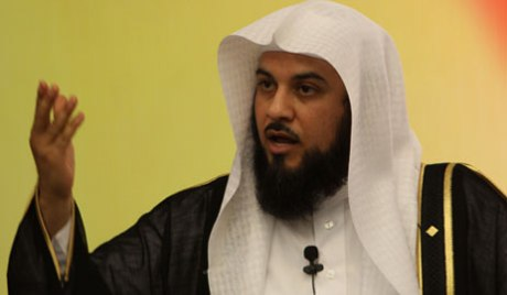 """عمرو مصطفى: العريفي إرهابي وخطبته """"ملعونة"""" !"""