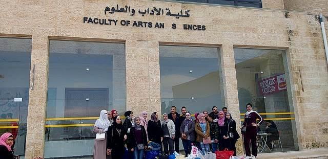 زيارة طلبة جامعة عمان الأهلية الى دار الزهراء للمسنين