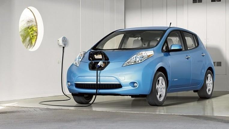 التخليص على 38 سيارة كهربائيّة في تشرين الأول