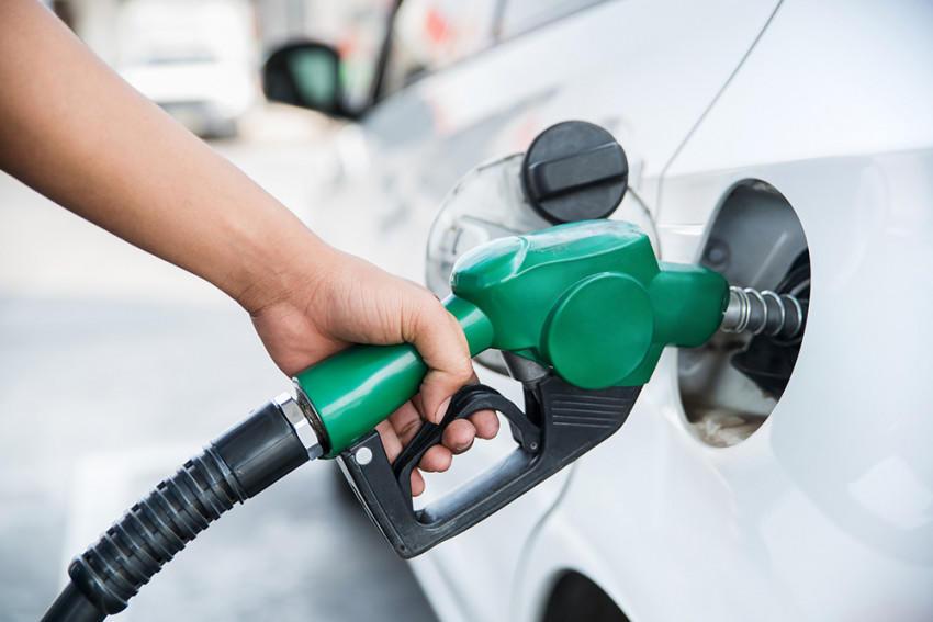 هل تعبئة البنزين في الصباح يوفر المال؟