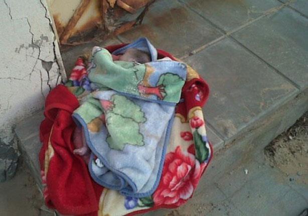 الزرقاء : العثور على طفل حديث الولادة بالوسط التجاري