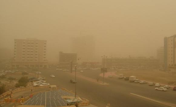 تعليق دوام المدارس بالسعودية لليوم الخامس بسبب الغبار