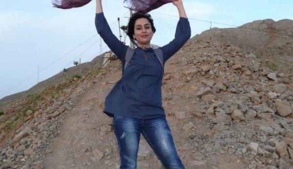 حكم خلع الحجاب في حالة التعرض للأذى بسببه