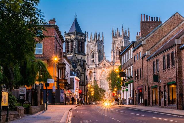 بالصور..تعرف على بعض مدن سياحية في إنجلترا