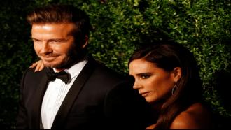 """ديفيد وفيكتوريا بيكهام يحصلان على 21 مليون دولار من """"نتفليكس"""" لتصوير حياتهما الخاصة"""