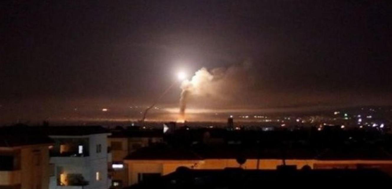 """إنفجارات تهزّ دمشق ..  الدفاعات الجوية تتصدى لـ""""أهداف معادية"""""""