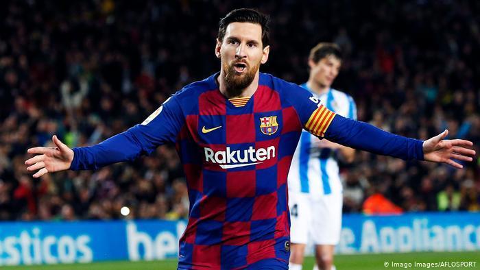 هل طلب ميسي وقف مفاوضات التجديد مع برشلونة؟
