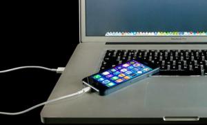 10 تطبيقات تفتك ببطارية هاتفك