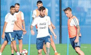 الأرجنتين جاهزة لإنهاء الحظ السيئ في النهائي بمواجهة تشيلي
