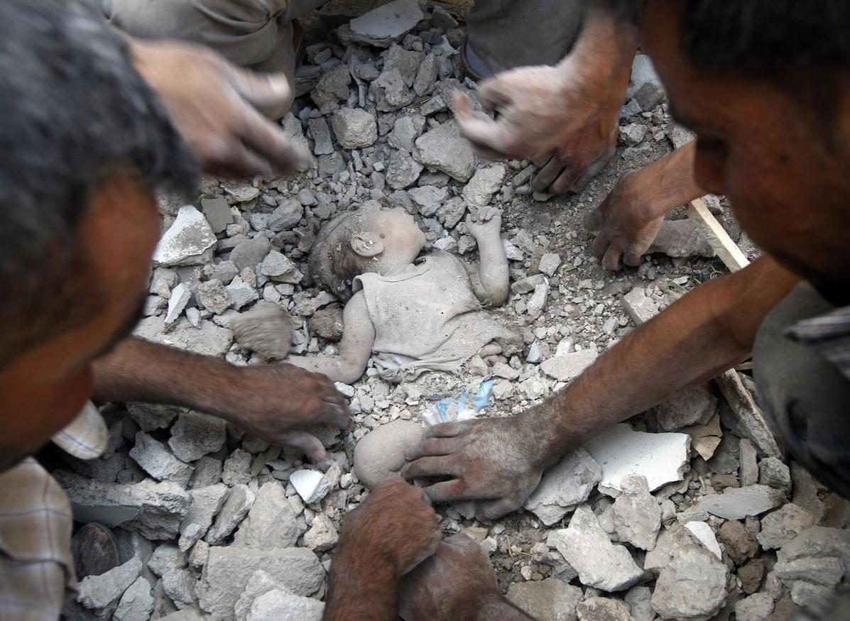 مجزرة جديدة مروعة   ..  مقتل (15) طفلاً في قصف على مدرسة في الغوطة
