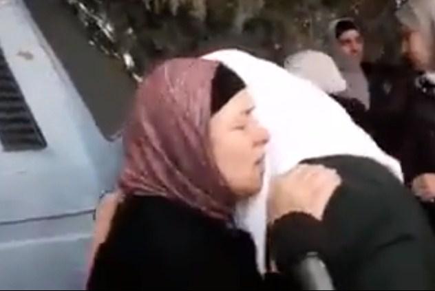 بالفيديو  ..  فيديو: والدة الشهيد أحمد جرار تروي تفاصيل ما حدث