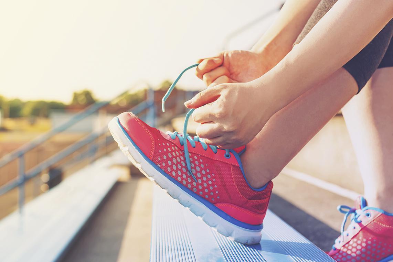 أحذية رياضية لإطلالاتك الصيفية
