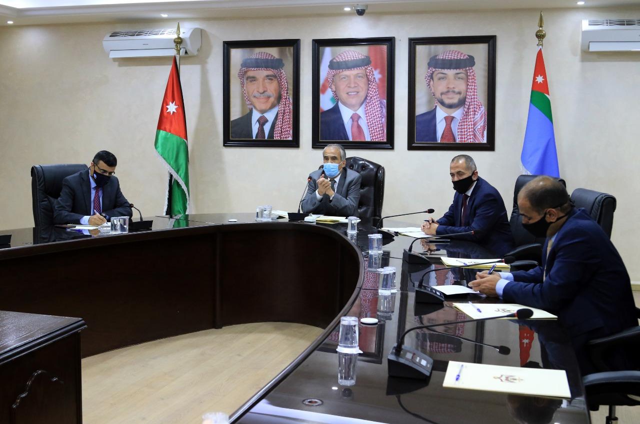 وزير الداخلية يجتمع بمحافظي الميدان