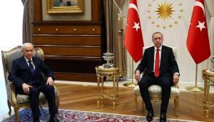 """انقلاب على أردوغان ..  لا """"يمكن الثقة برئيس هبط بقيمة تركيا"""""""