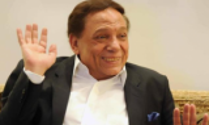 عادل إمام: أنا بخير ولا أعرف المغزى وراء شائعات وفاتي