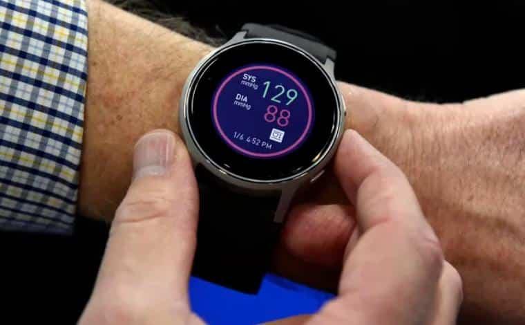 قياس ضغط الدم عبر الساعات الذكية