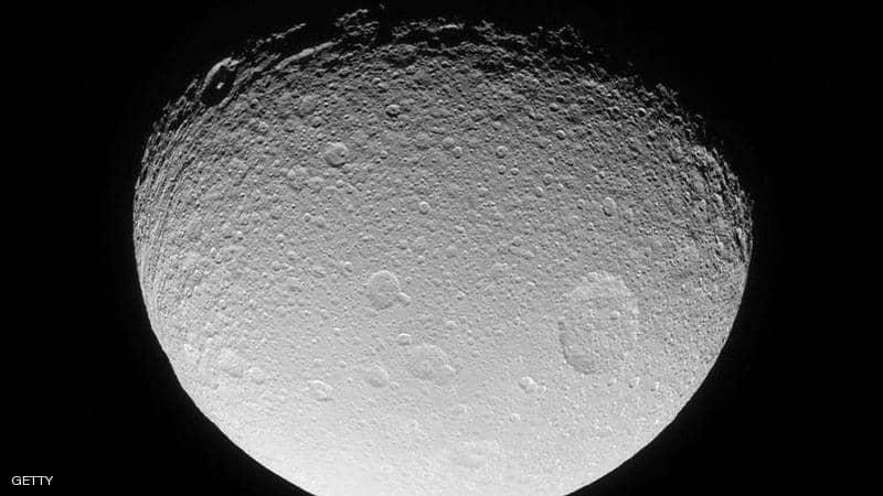 ما سر المادة الخضراء على القمر؟ ..  علماء يحلون اللغز