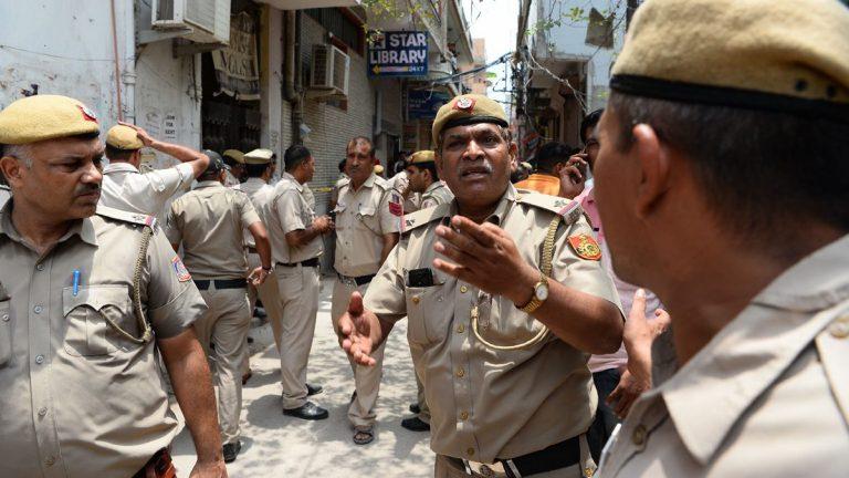 توتر في بلدة هندية بعد مقتل طفلة بسبب 144 دولارًا