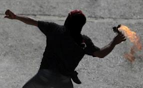 مصر: ملثمون يهاجمون قصر الرئاسة بالمولوتوف