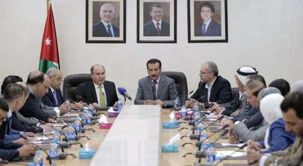 """كتلة الإصلاح النيابية تطالب برحيل حكومة الملقي وتصفها بأنها """"غير مؤهلة لقيادة المرحلة"""""""