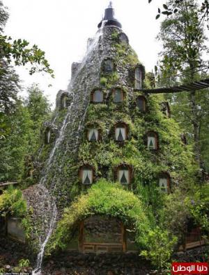 """بالصور: فندق يجعلك تعيش في بركان تخرج منه """"المياه"""""""