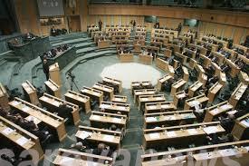 نواب يطالبون الحكومة بإرجاء البت في بدل الزيادة على الايجارات