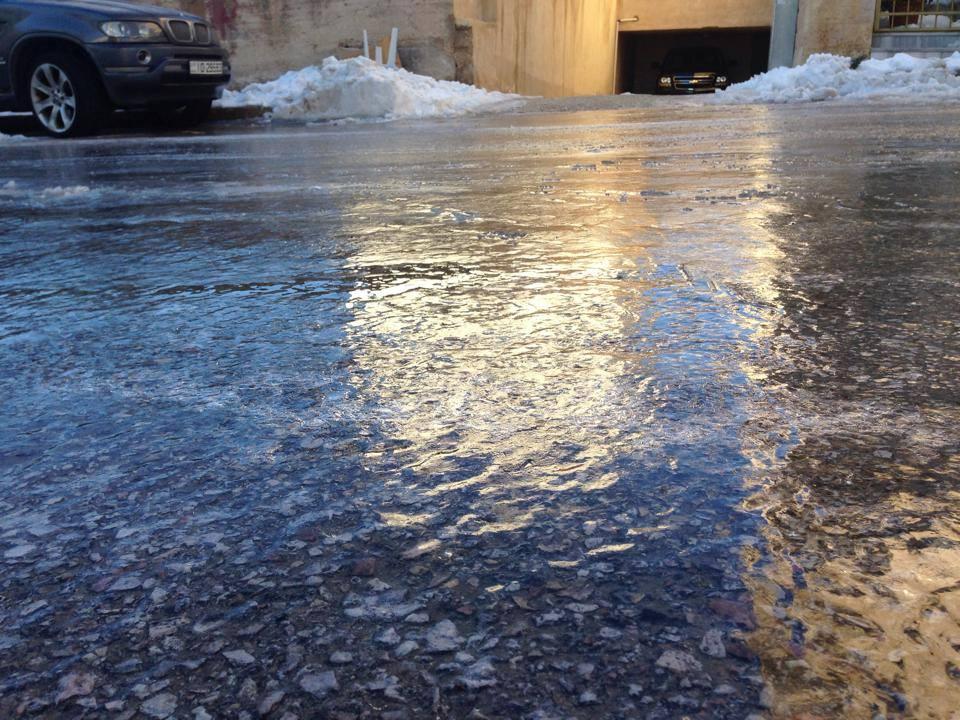 استمرار تساقط الثلوج مساء الجمعة والارصاد تحذر المواطنين