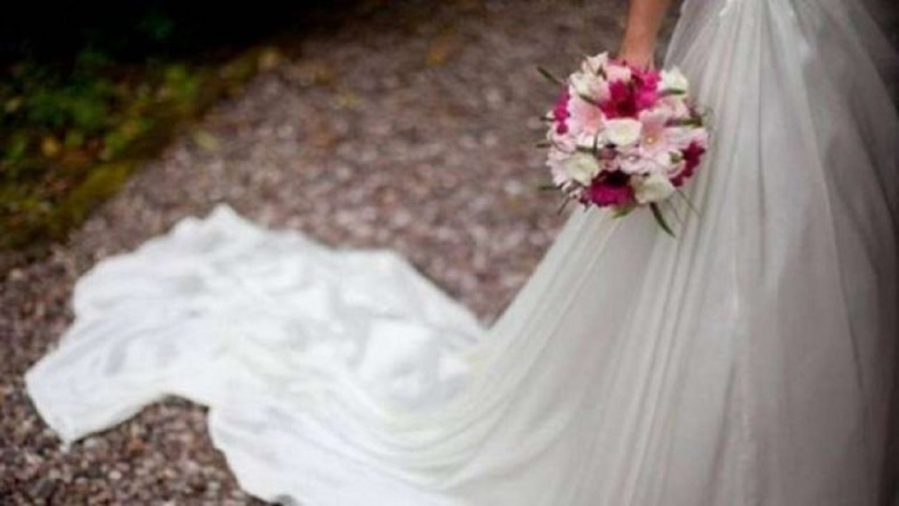 عروس تؤجل حفل زفافها 7 مرات في أقل من عام