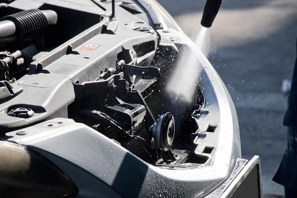 هل غسيل المحرك يضر به؟