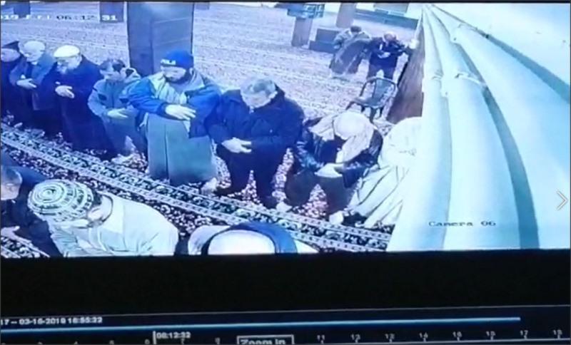 بالفيديو : وفاة مؤذن أثناء أداء صلاة الفجر في عمان
