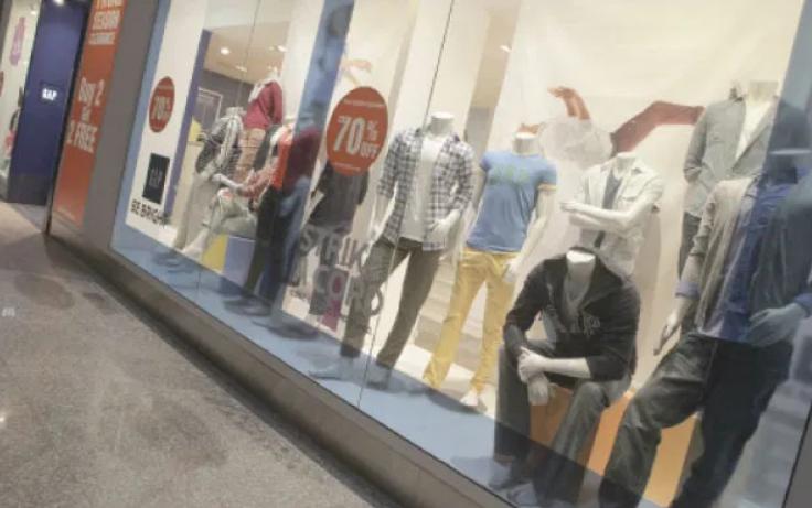 نقيب تجار الألبسة: حركة تسوق طفيفة يشهدها القطاع