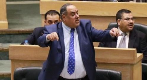 """النائب الفناطسة لسرايا : رئيس ديوان """"الخدمة"""" المعين لا علاقة له بالوظيفة ولم ينهي اعماله بالامارات"""
