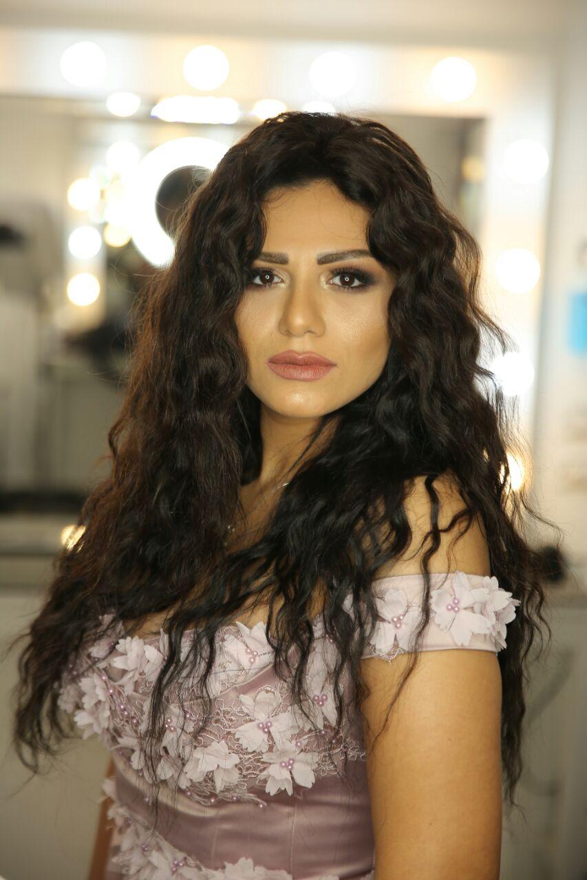 بالصور ..  مصرع المطربة والممثلة غنوة شقيقة أنغام فى حادث سير