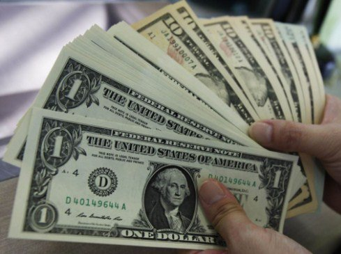 انخفاض الدولار الأميركي لأدنى مستوى في 3 أشهر
