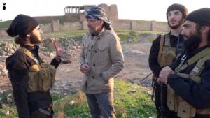 بالفيديو .. صحفي رافق داعش: التنظيم أخطر مما تتصورون