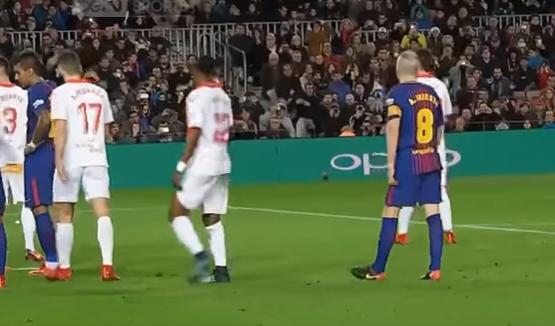 بالفيديو .. هدف ميسي الذي انقذ برشلونة من ضربة حرة اعجازية برشلونة والفيس الدوري الاسباني