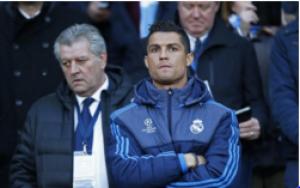 كريستيانو رونالدو يطلب الاستشارة من برشلونة