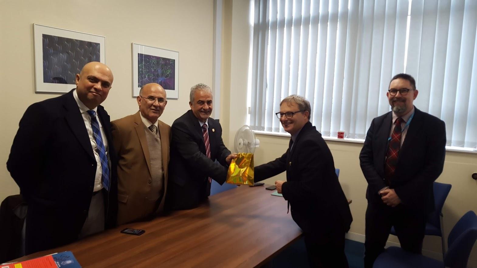 وفد من جامعة عمان الأهلية يزور جامعة برادفورد البريطانية بهدف تحقيق التعاون الاستراتيجي ..  صور